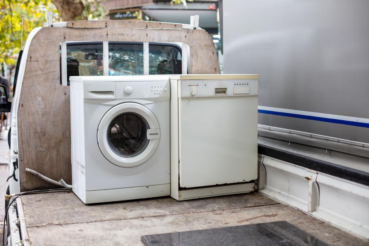 How to Dispose of My Washing Machine Responsibly: The SkipHire UK Guide
